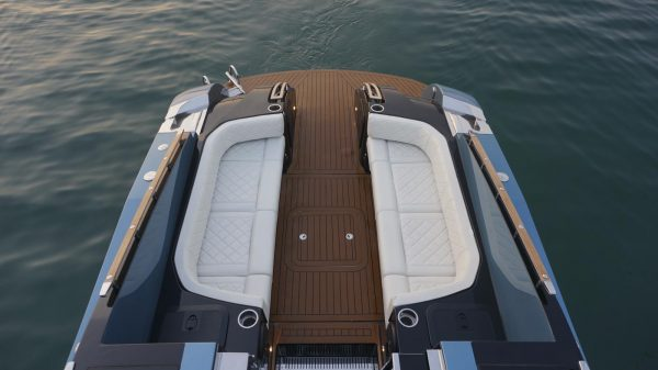 yacht charter corfu luxury transfer limo vision yachting 04