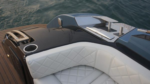 yacht charter corfu luxury transfer limo vision yachting 06