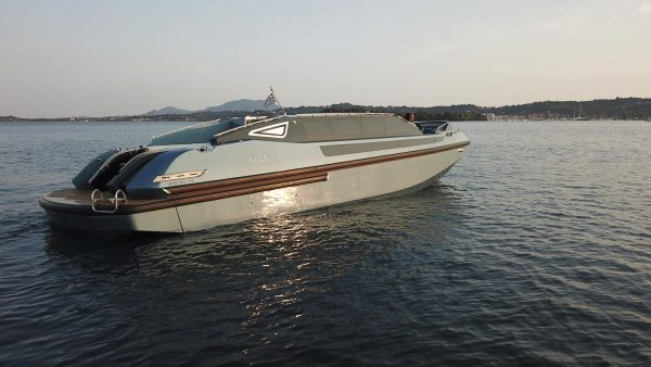 yacht charter corfu luxury transfer limo vision yachting 07