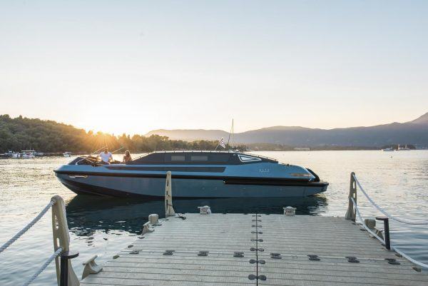 yacht charter corfu luxury transfer limo vision yachting 08
